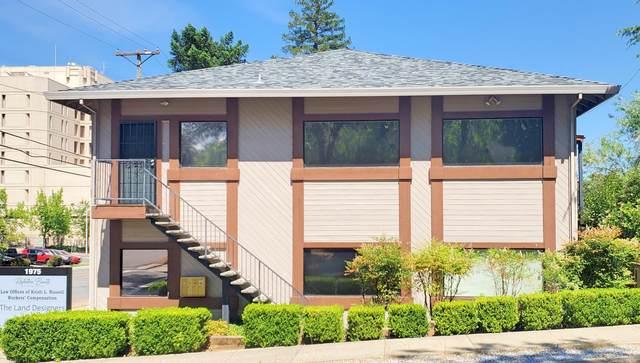1975 Placer St, Redding, CA 96001 (#21-2450) :: Vista Real Estate