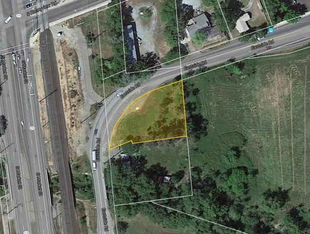 6011 Eastside Rd, Redding, CA 96001 (#21-2519) :: Real Living Real Estate Professionals, Inc.