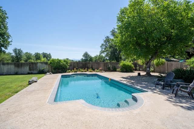 8829 Midview Dr, Palo Cedro, CA 96073 (#21-2593) :: Vista Real Estate