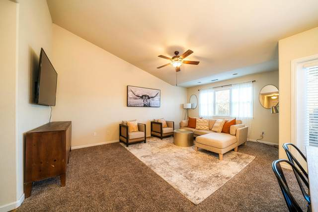 6042 Mid Drive Trl, Redding, CA 96003 (#21-267) :: Wise House Realty