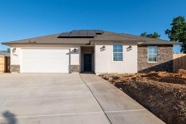 1390-1392 Bonhurst Dr, Redding, CA 96003 (#21-2694) :: Real Living Real Estate Professionals, Inc.
