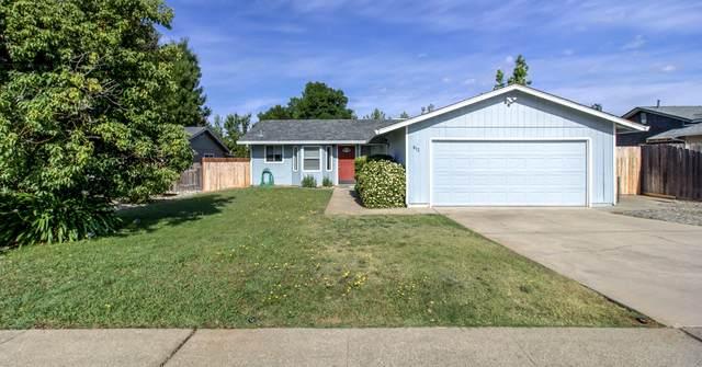 812 Springer Dr, Redding, CA 96003 (#21-2753) :: Vista Real Estate