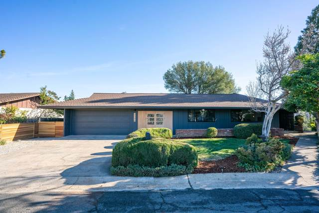 3340 Scenic Dr, Redding, CA 96001 (#21-276) :: Vista Real Estate