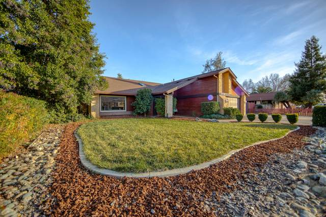 1849 Forest Glen Ct, Redding, CA 96002 (#21-277) :: Real Living Real Estate Professionals, Inc.