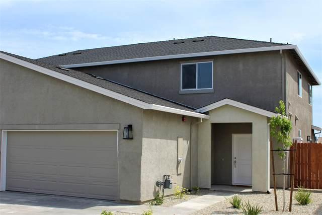 899 Congaree Ln, Redding, CA 96001 (#21-2805) :: Waterman Real Estate