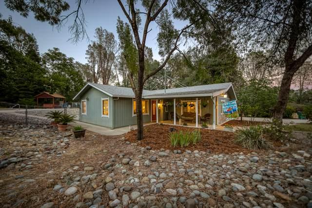 16990 Pine Oaks Dr, Redding, CA 96003 (#21-2839) :: Real Living Real Estate Professionals, Inc.