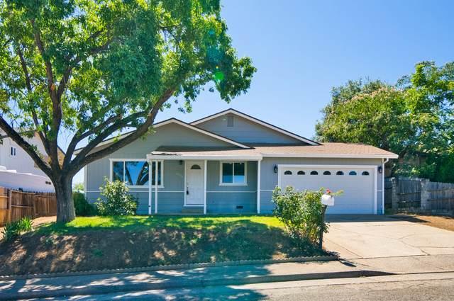 3535 Elizabeth Way, Redding, CA 96001 (#21-2845) :: Wise House Realty