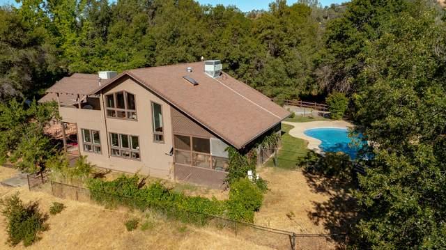 21943 Sagebrush Trl, Redding, CA 96003 (#21-2846) :: Real Living Real Estate Professionals, Inc.