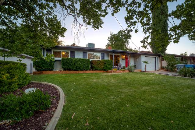2938 Yana Ave, Redding, CA 96002 (#21-2848) :: Real Living Real Estate Professionals, Inc.