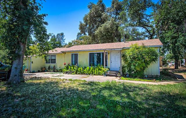 7696 Happy Valley Rd, Anderson, CA 96007 (#21-2852) :: Real Living Real Estate Professionals, Inc.