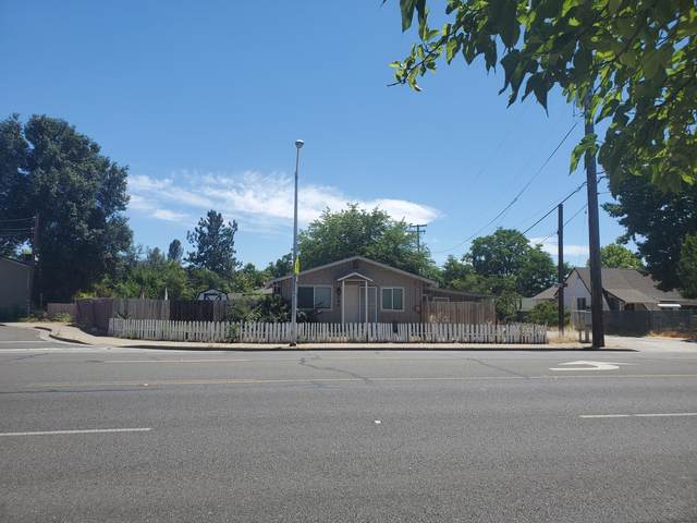 579 Hartnell Ave, Redding, CA 96002 (#21-2858) :: Real Living Real Estate Professionals, Inc.