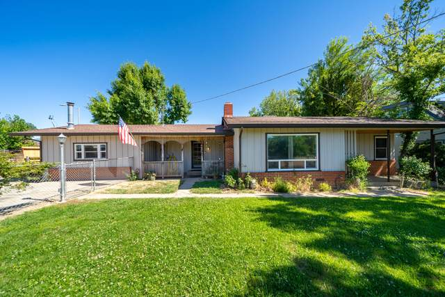 5424 Midway Dr, Redding, CA 96003 (#21-2877) :: Real Living Real Estate Professionals, Inc.