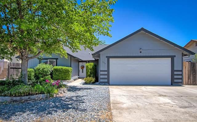 869 Springer Drive, Redding, CA 96003 (#21-2881) :: Real Living Real Estate Professionals, Inc.