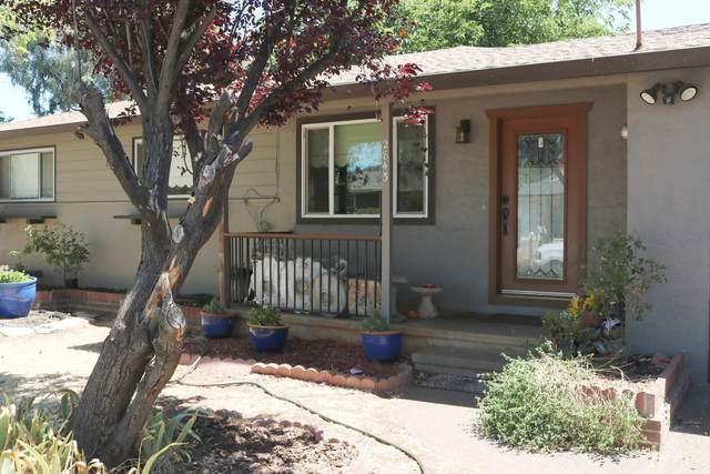 2843 Kenco Ave, Redding, CA 96002 (#21-2886) :: Real Living Real Estate Professionals, Inc.