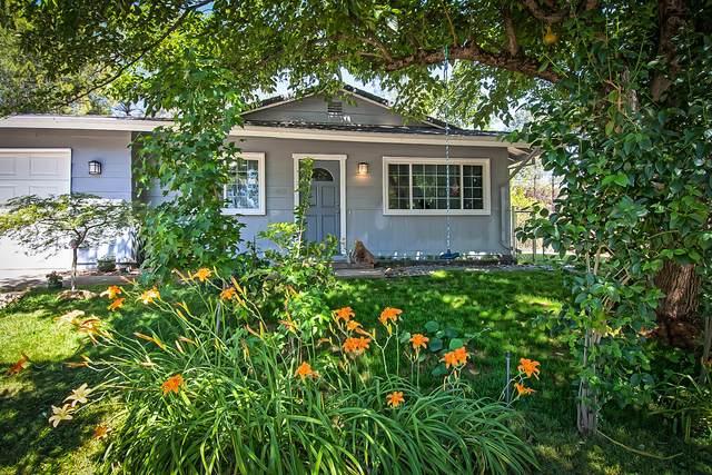 2455 Walton Ave, Shasta Lake, CA 96019 (#21-2887) :: Real Living Real Estate Professionals, Inc.