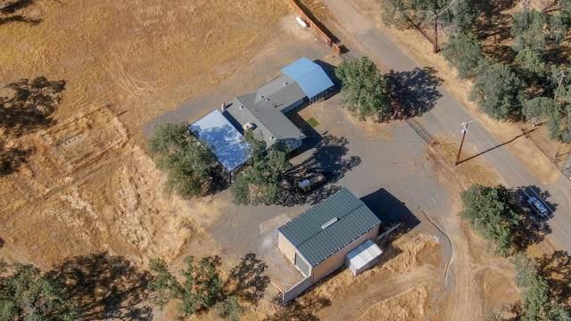 14392 Holiday Way, Bella Vista, CA 96008 (#21-2889) :: Wise House Realty