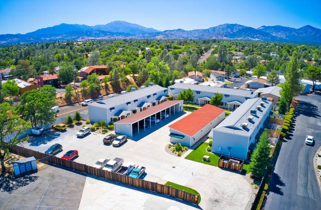 4296 Clay St, Redding, CA 96003 (#21-2901) :: Coldwell Banker C&C Properties