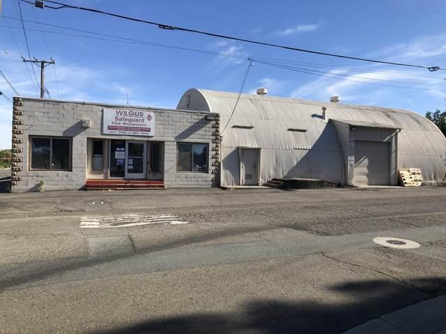 1703 Sonoma St, Redding, CA 96001 (#21-2931) :: Vista Real Estate