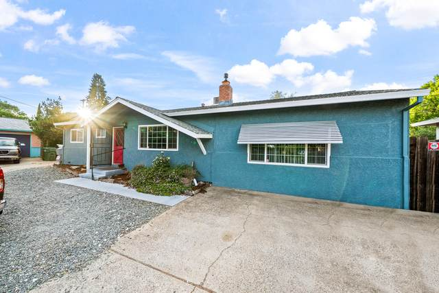 2026 Saturn Skwy, Redding, CA 96002 (#21-2933) :: Real Living Real Estate Professionals, Inc.