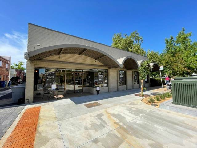 1322 Butte St, Redding, CA 96001 (#21-2968) :: Real Living Real Estate Professionals, Inc.
