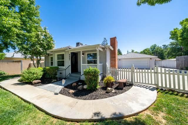 5567 E Bonnyview Rd, Redding, CA 96001 (#21-3009) :: Real Living Real Estate Professionals, Inc.
