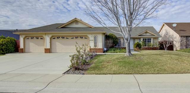 2858 Aspen Glow Ln, Redding, CA 96001 (#21-301) :: Waterman Real Estate