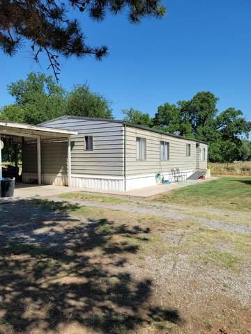 6772 Peach Ln, Redding, CA 96002 (#21-3069) :: Vista Real Estate