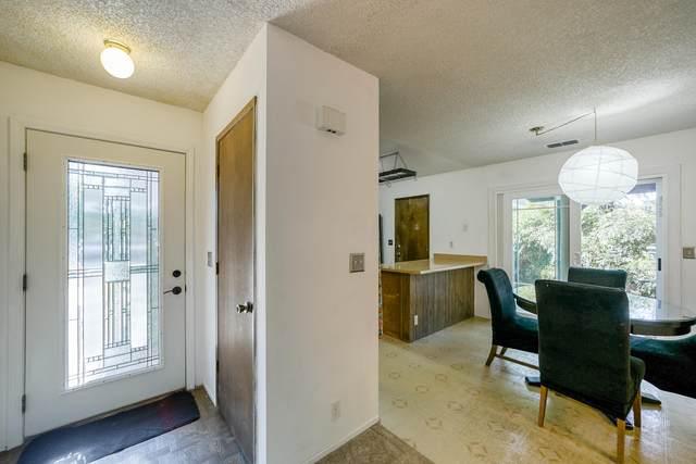 3748 Pluto St, Redding, CA 96002 (#21-3496) :: Waterman Real Estate