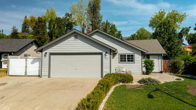 858 Spaniel Dr, Redding, CA 96003 (#21-3502) :: Wise House Realty
