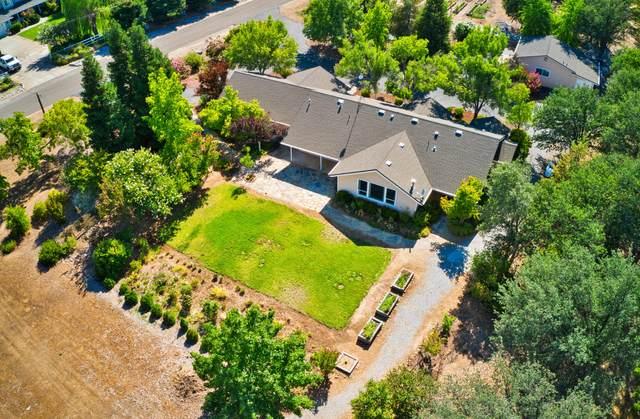 22650 Silverlode Ln, Palo Cedro, CA 96073 (#21-3515) :: Vista Real Estate