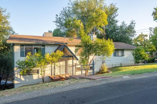 1907 Vale Dr, Redding, CA 96002 (#21-3564) :: Vista Real Estate