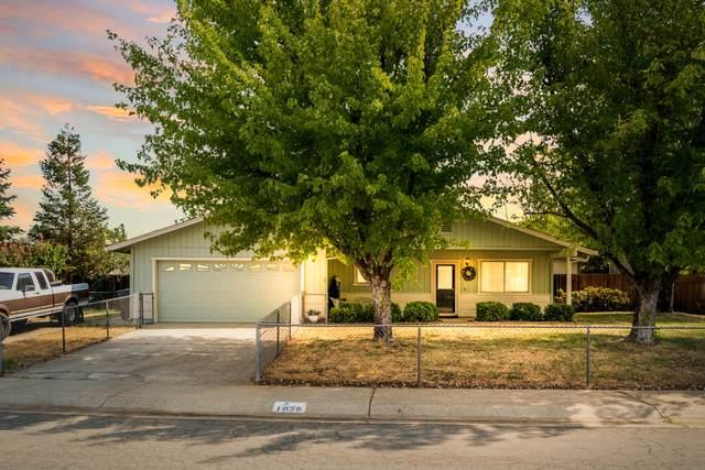 1029 Camelot Ct, Redding, CA 96003 (#21-4121) :: Vista Real Estate