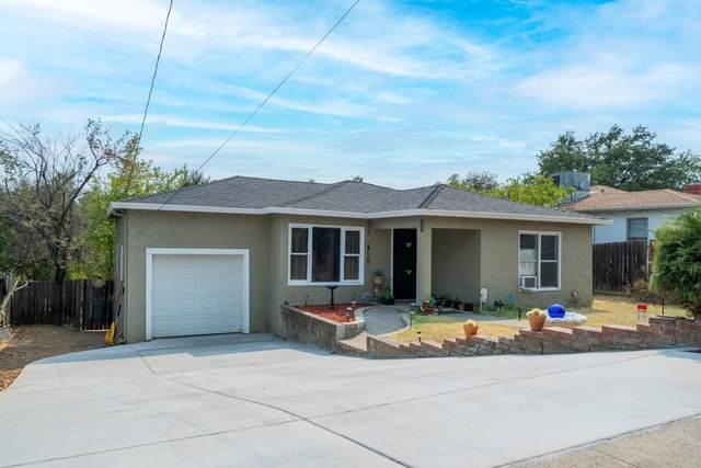 2439 Placer St, Redding, CA 96001 (#21-4233) :: Waterman Real Estate