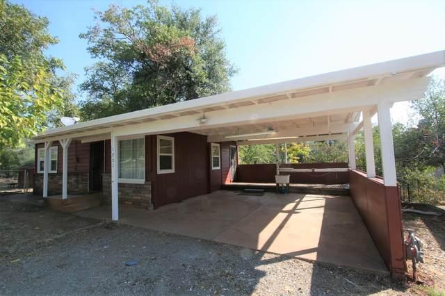 1231 Oregon Ave, Shasta Lake, CA 96019 (#21-4430) :: Vista Real Estate