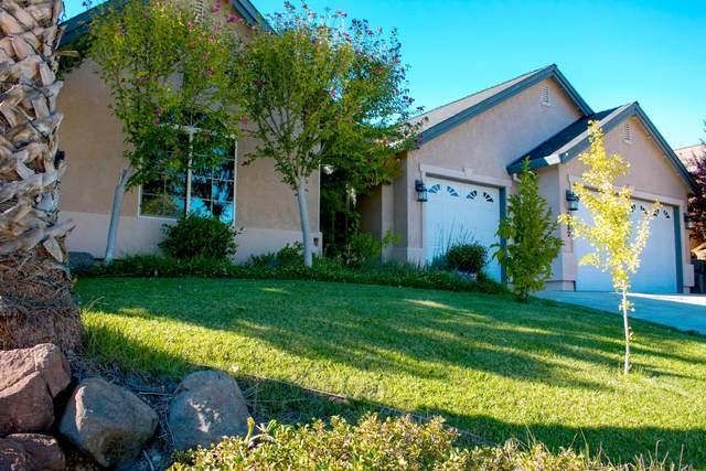 2052 Hedgerow Ave, Redding, CA 96003 (#21-4467) :: Real Living Real Estate Professionals, Inc.