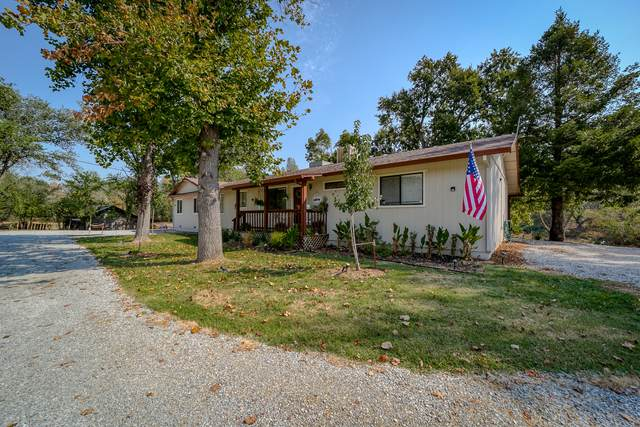 10087 Salmon Creek Rd, Redding, CA 96003 (#21-4479) :: Real Living Real Estate Professionals, Inc.