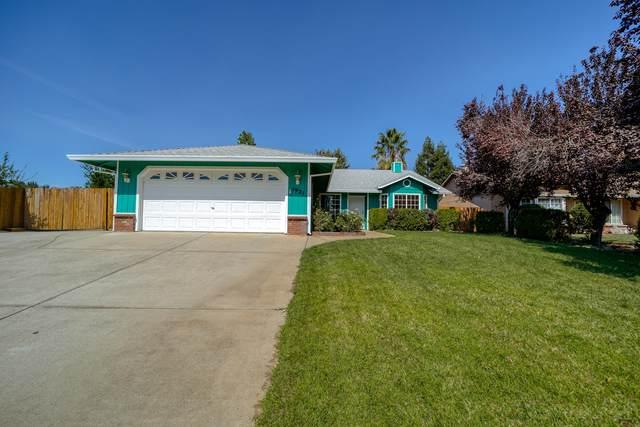 1921 Catherine Way, Redding, CA 96002 (#21-4498) :: Vista Real Estate