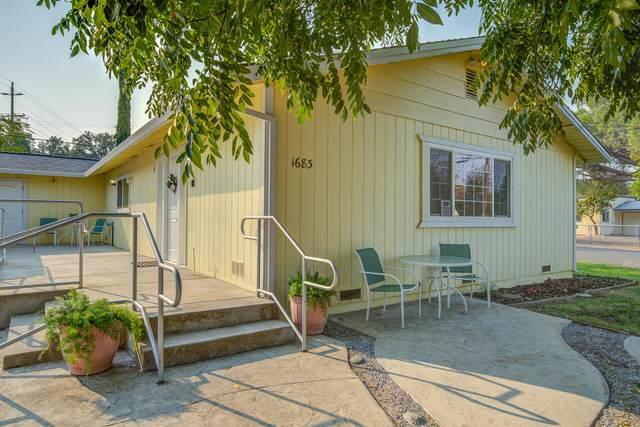 1683 Manter Dr, Anderson, CA 96007 (#21-4501) :: Vista Real Estate