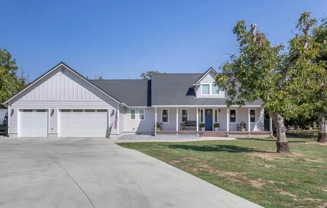 5203 Country Farms Ln, Anderson, CA 96007 (#21-4528) :: Vista Real Estate