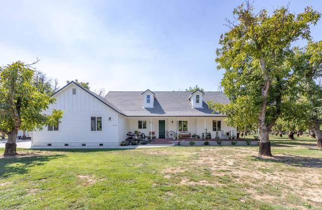 5250 Country Farms Ln, Anderson, CA 96007 (#21-4530) :: Vista Real Estate