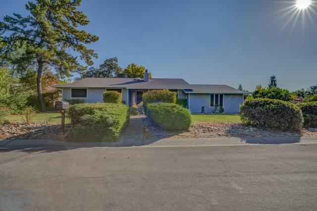 1885 Pineland Ct, Redding, CA 96002 (#21-4541) :: Vista Real Estate