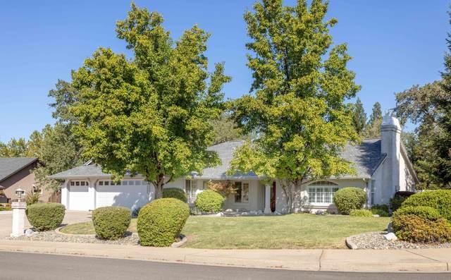 19236 Pinnacle Ct, Redding, CA 96003 (#21-4551) :: Vista Real Estate