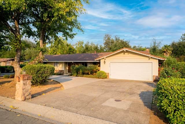 3753 Victoire Way, Redding, CA 96002 (#21-4556) :: Waterman Real Estate