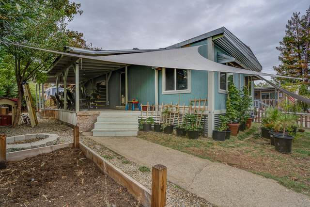 4530 Chippewa Ln, Redding, CA 96003 (#21-4589) :: Wise House Realty