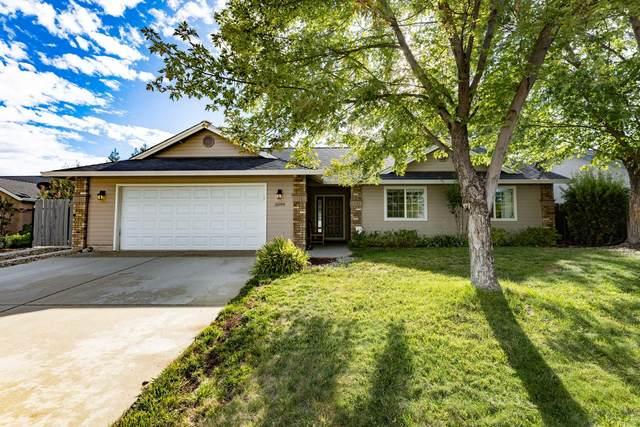 3099 Blue Bell Dr, Redding, CA 96001 (#21-4607) :: Waterman Real Estate