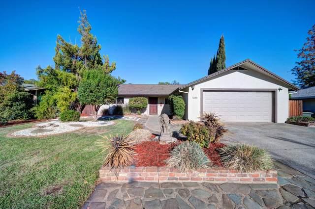 1335 Pleasant St, Redding, CA 96001 (#21-4657) :: Waterman Real Estate