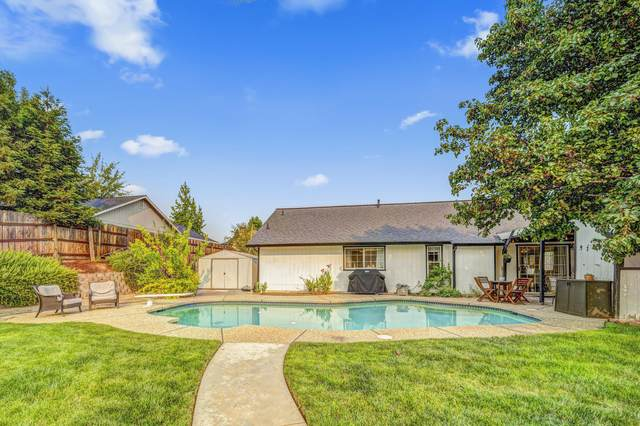 4842 Tralee Ln, Redding, CA 96001 (#21-4766) :: Waterman Real Estate