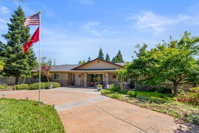 20149 Meadow View Dr, Redding, CA 96002 (#21-4814) :: Vista Real Estate