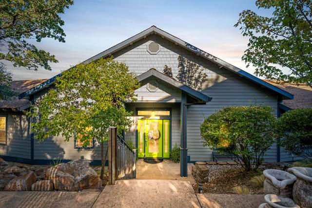 2243 Oak Ridge Ct, Redding, CA 96001 (#21-4844) :: Waterman Real Estate