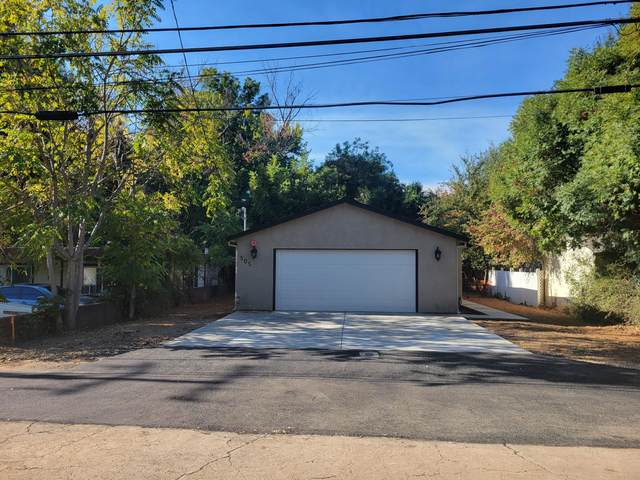 505 Smile Pl, Redding, CA 96001 (#21-4862) :: Wise House Realty